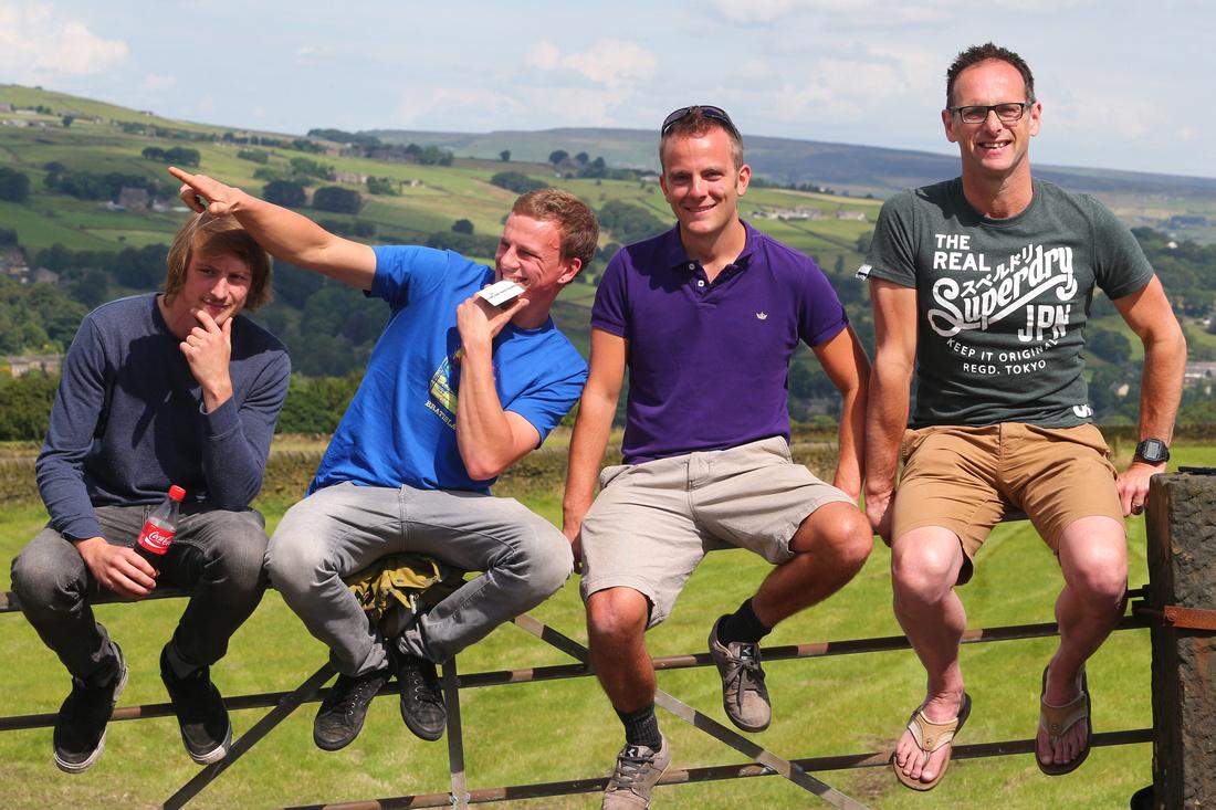 Boys on the gate, Tour de Yorkshire 2014